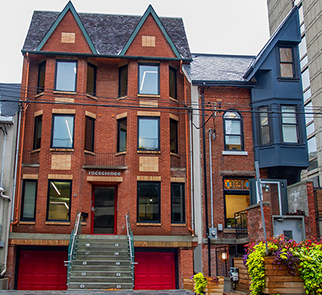 Thumbnail half house